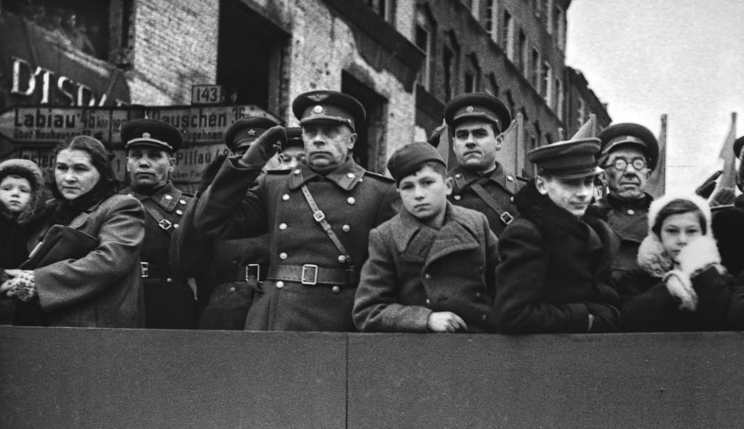 Военный парад в Кёнингсберге (Калининград). Автор неизвестен. Копия МАММ