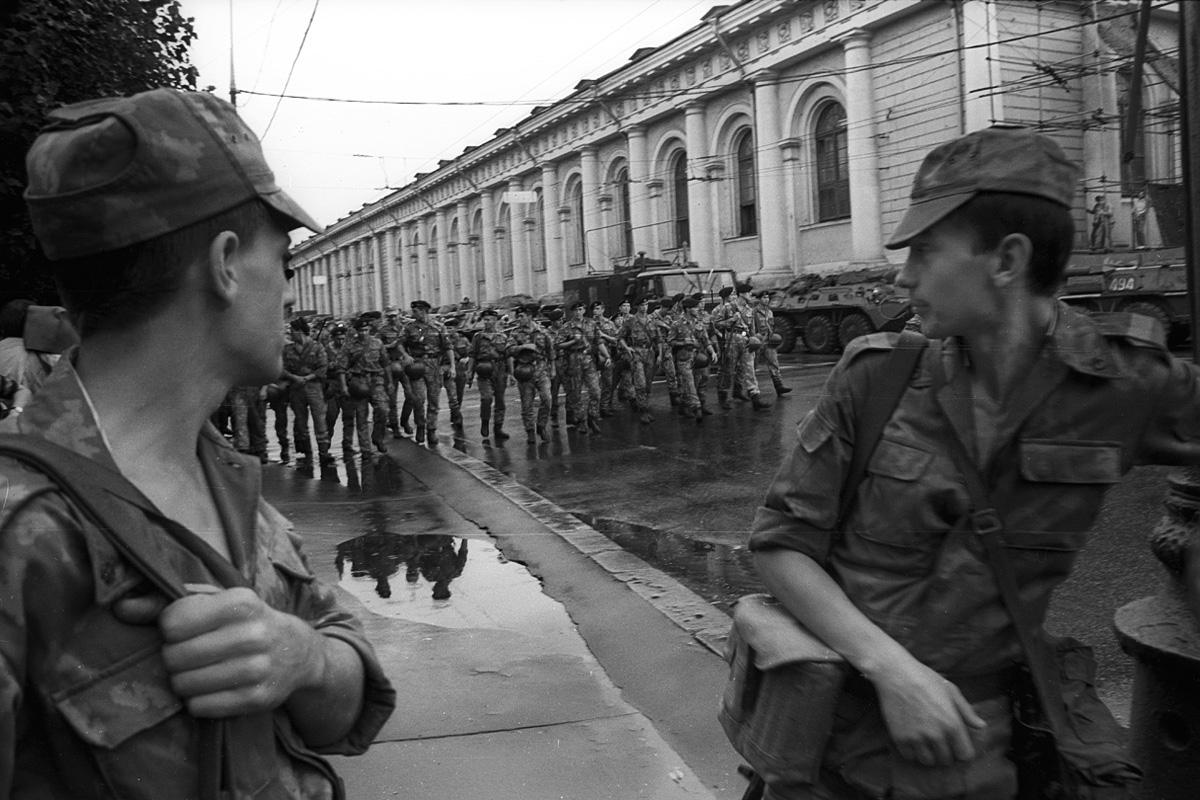Предчувствие свободы. Август 1991. Фото © Владимир Сёмин для PREGEL.INFO