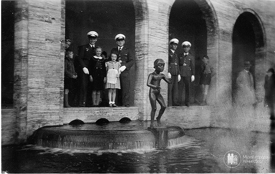 Танцующая девочка, 1930. Скульптор Герман Брахерт. PREGEL.INFO