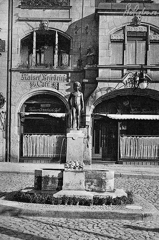 Фонтан «Яблочный вор», 1907. Скульптор Станислаус Кауэр. PREGEL.INFO
